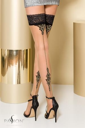 Bas autofixants ST106 Beige - Bas en Lycra avec un imprimé élégant souligné de fil d'argent Lurex qui dessine une couture fantaisie à l'arrière de la jambe.