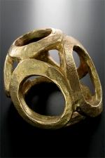 Cache gland Hellmet : Un couvre chef en bronze pour votre gland.
