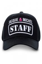 Casquette Jacquie et Michel Staff : La casquette Jacquie & Michel indispensable pour vous aider à faire des rencontres et improviser des castings.