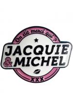 Pin's Jacquie et Michel : Pin's en alliage métal avec logo Jacquie & Michel blanc en résiné émaillée.