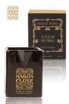 Bougie de massage Maison Close - Bougie de massage parfum�e Maison Close avec pot en c�ramique et bec verseur.