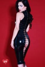 Robe latex Flash-Back - Magnifique robe moulante f�tichiste en latex Skin Two haute qualit�, impudique et hautement sensuelle.