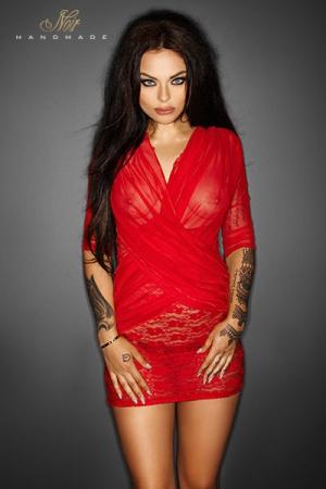 Robe Flirty - Rouge - Robe fourreau en dentelle rouge, rehaussée d'un drapé de tulle transparent élégant et sensuel sur le buste.