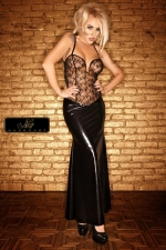 Robe longue Diva - Un bustier de tulle parsemé d'un plumetis de paillettes, et une jupe longue moulante sur les hanches... une robe de Diva.